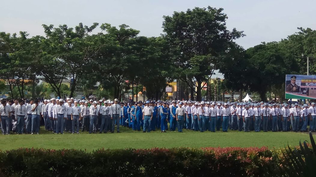 Upacara Siswa SMA Al-Mahadul Islami YAPI